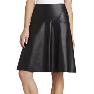 New❗️BCBG camber faux leather skirt xs
